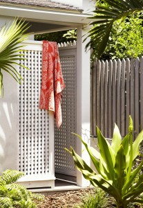 Allamanda - Outdoor shower